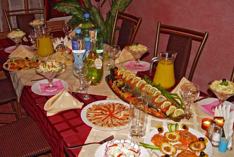 Как сделать недорогой праздничный стол 280